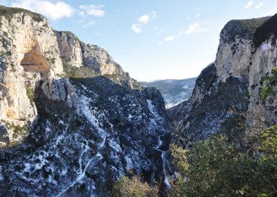 Appennino emozioni - escursioni in montagna - parco gola rossa e frasassi - sentiero aquila 7