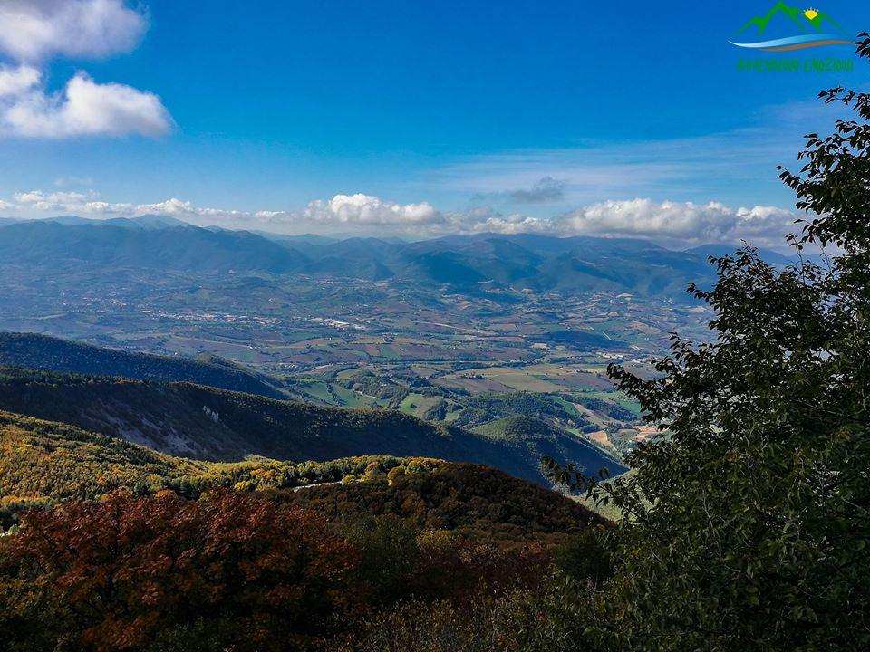 :. 09/05 – Escursione sulla strana montagna: Monte San Vicino e primavera