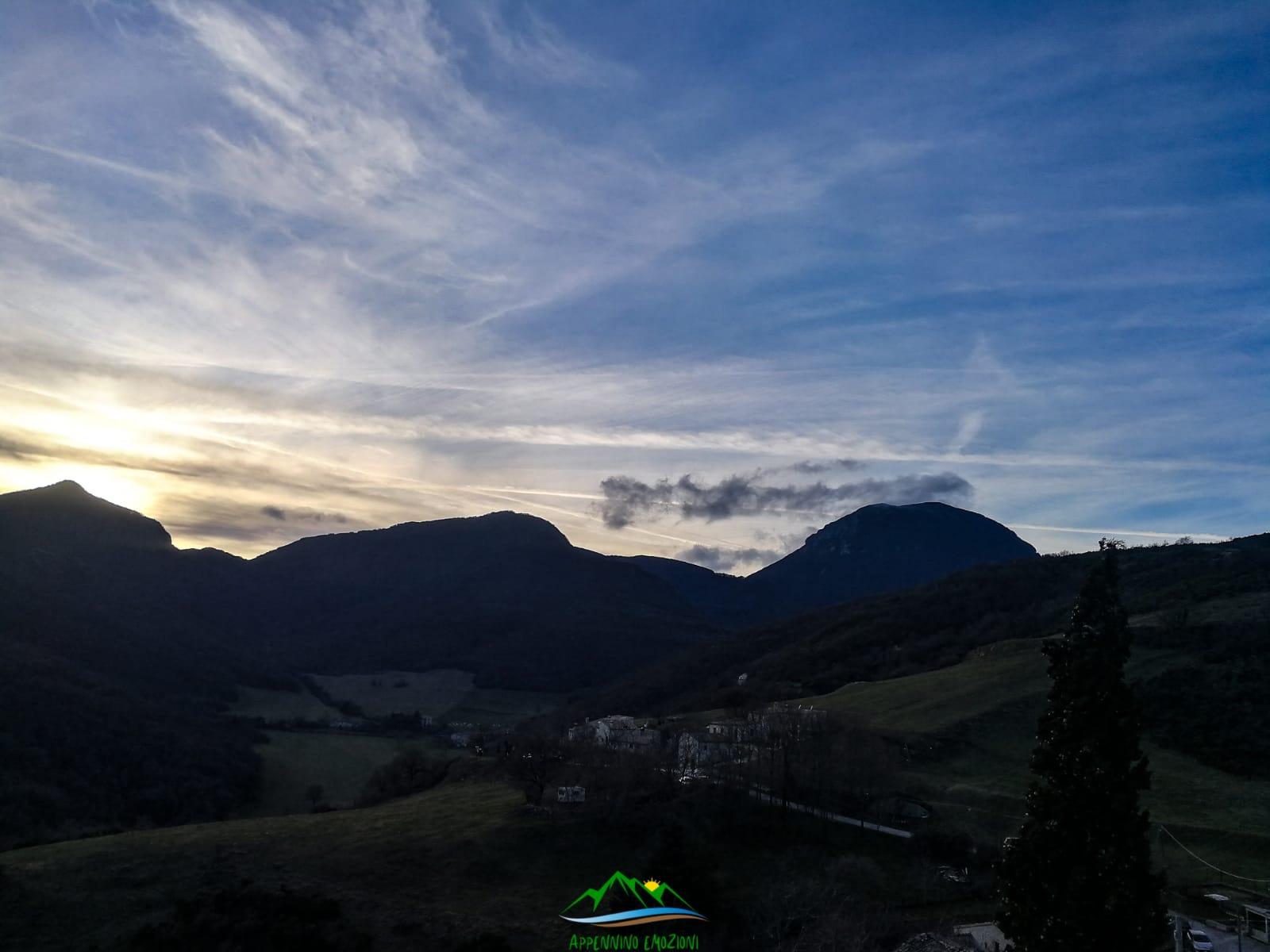 :. 21/03 – Escursione tramonto e Stelle sulla cima del San Vicino