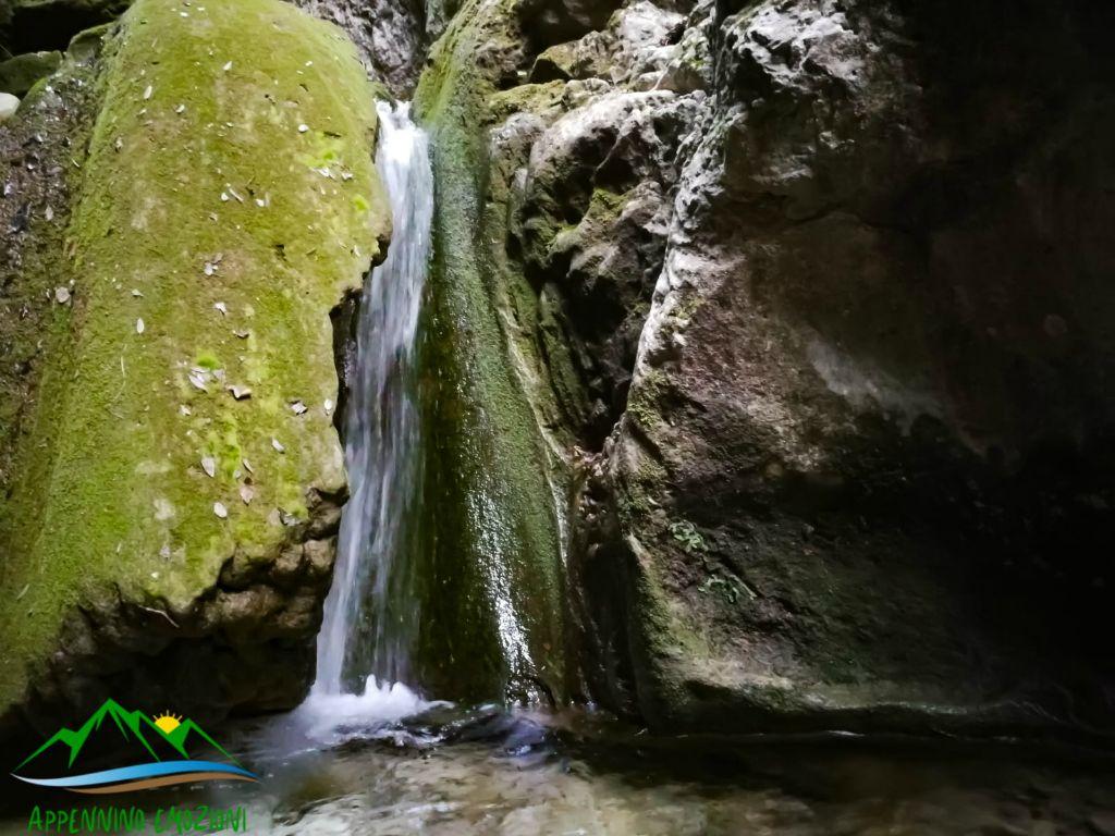 :. 08/03 – Escursione dai Murales di Braccano ai Piani di Canfaito