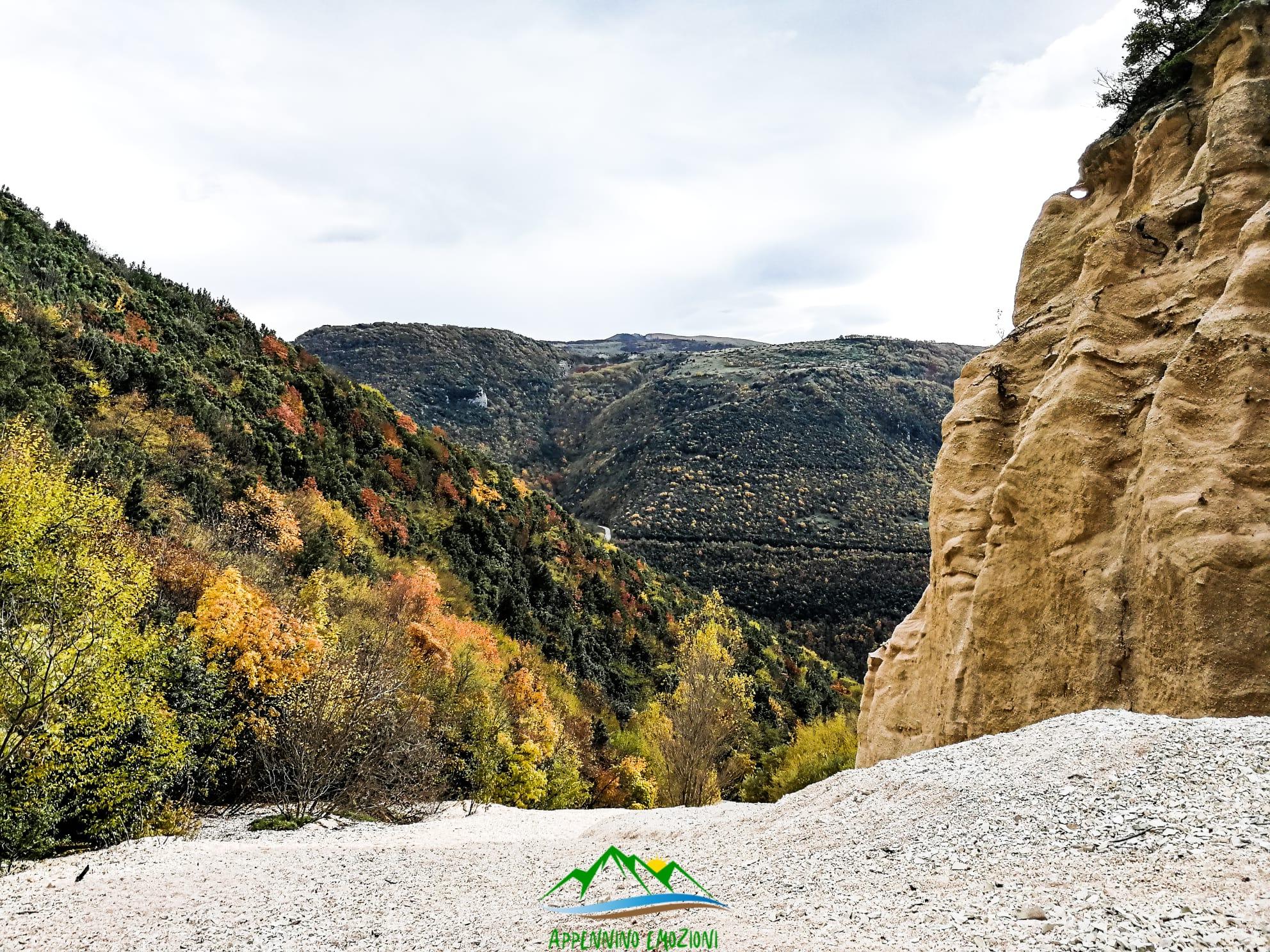 :. 30/10 – Escursione Emozioni d' Autunno: Le lame rosse con i boschi in colore